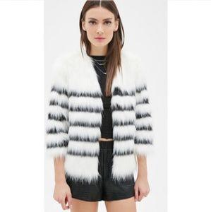 NWOT Quarter sleeve faux fur jacket